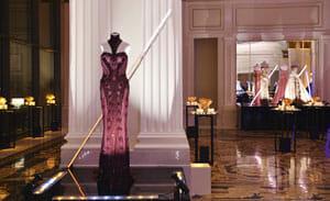 揭开豪气奢华宫殿的面纱
