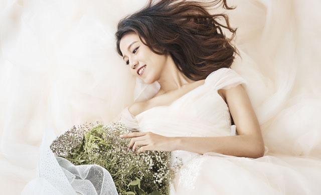 白色阳台的唯美花艺
